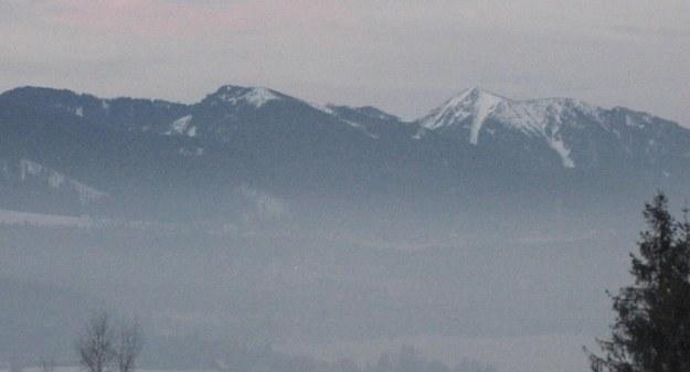 Turystki utknęły w głębokim śniegu w masywie Czerwonych Wierchów