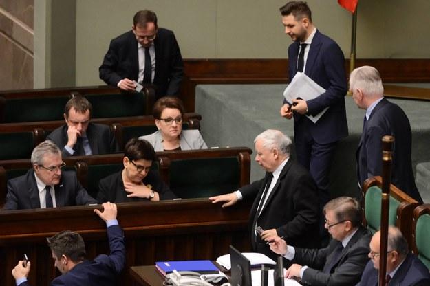 Opozycja o exodusie ministrów PiS do europarlamentu: Uciekają przed odpowiedzialnością