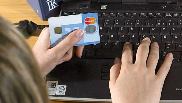 Fałszywe strony udające pośredników szybkich płatności. Policja ostrzega