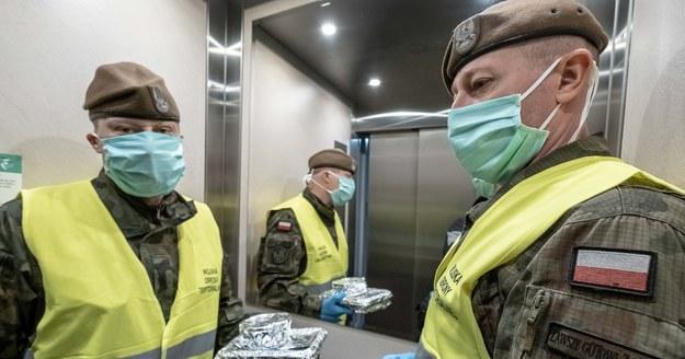 Nabór do służby wojskowej trwa, pomimo pandemii. Chętnych nie brakuje