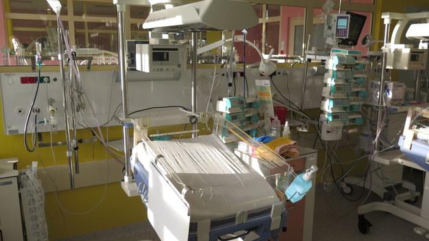 Położna z koronawirusem na ginekologii szpitala uniwersyteckiego we Wrocławiu