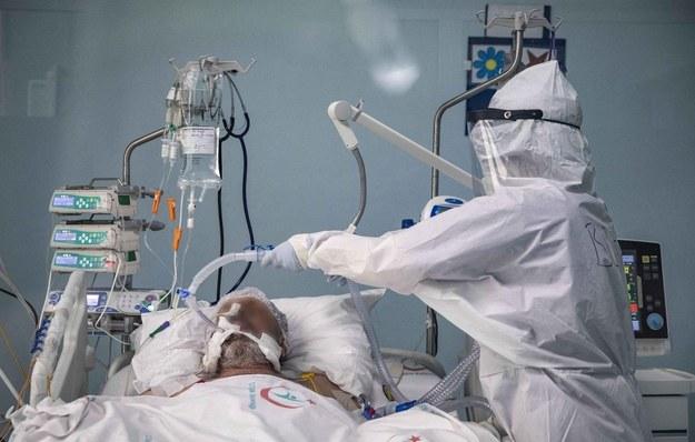 Kanadyjski wywiad ostrzega przed szpiegostwem naukowym w czasie pandemii