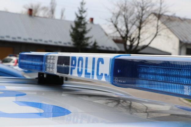 Kolbuszowa: W komendzie policji zmarł 42-latek. Wcześniej zaatakował funkcjonariuszy