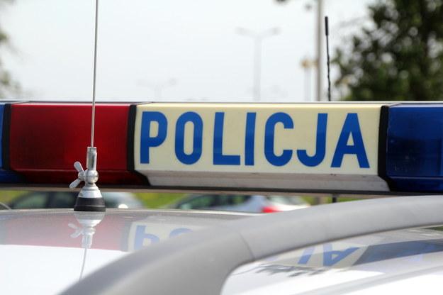 Śląskie: Pijany mężczyzna groził siekierą przechodniom i policjantom