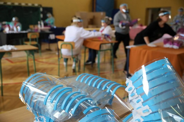 Podkarpackie: W szkołach uczniowie będą nosić przyłbice