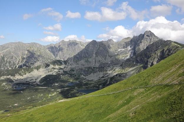 """Akcja ratunkowa w Tatrach. Halny """"zdmuchnął"""" turystkę"""