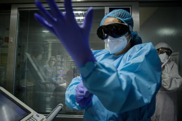 Rekordowo dużo zgonów. Nowe dane resortu zdrowia ws. koronawirusa