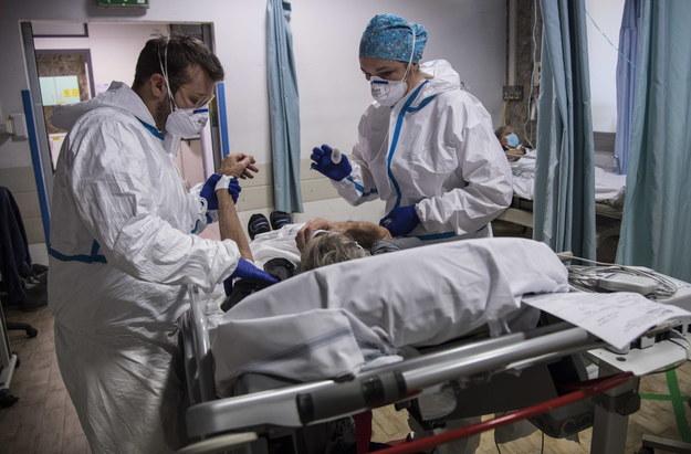 Koronawirus w Polsce. Zmarło 283 chorych na Covid-19, blisko 11,5 tys. nowych zakażeń [DANE Z NIEDZIELI]