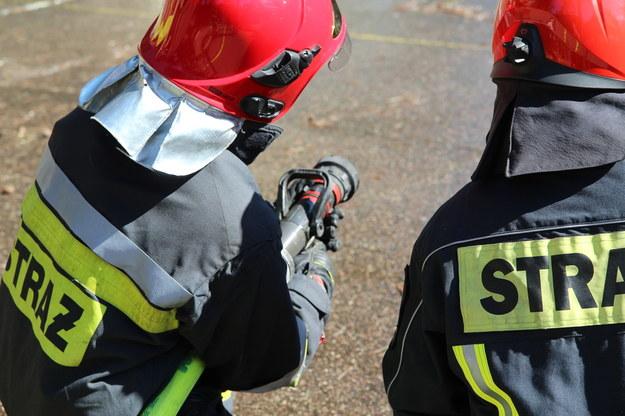 Pożar w Siemianowicach Śląskich. 1,5-roczne dziecko w szpitalu, ewakuowano 15 osób