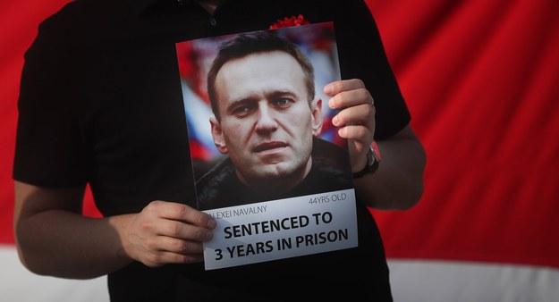 Władze więzienne grożą, że będą przymusowo karmić Nawalnego