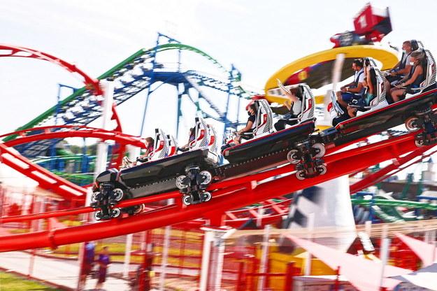 Rozporządzenie: Od 28 maja przywrócona działalność m.in. kasyn i parków rozrywki