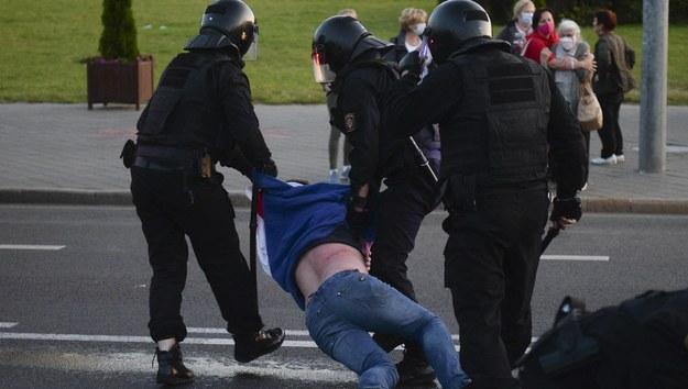 Kolejni białoruscy opozycjoniści skazani na więzienie o zaostrzonym rygorze