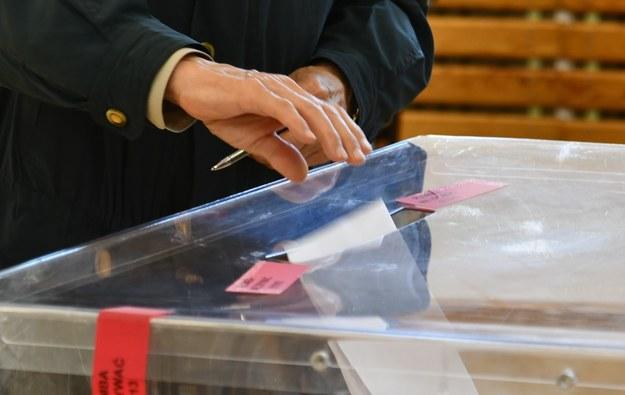 Łódzkie: W niedzielę referendum w gminie Kluki i wybory w Działoszynie