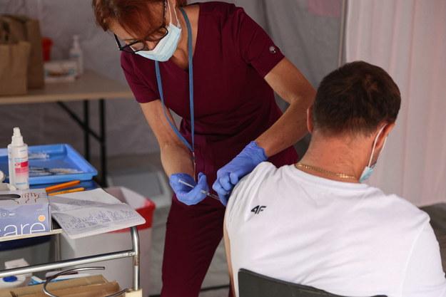 Ograniczenia dla nieszczepionych? Nowe propozycje Rady Medycznej