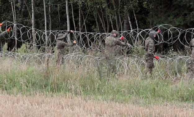 """Białoruska straż oskarża Polskę. Mówi o """"sieci organizatorów nielegalnej migracji"""""""