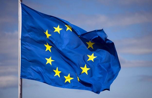Sondaż: Blisko 90 proc. nie chce, by Polska wychodziła z UE