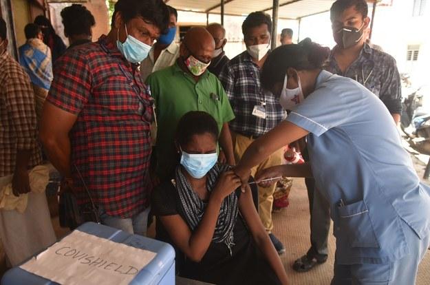 Indie wypłacą odszkodowania rodzinom zmarłych z Covid-19