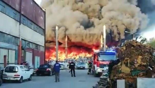 Zdj. z miejsca pożaru /Gorąca Linia RMF FM