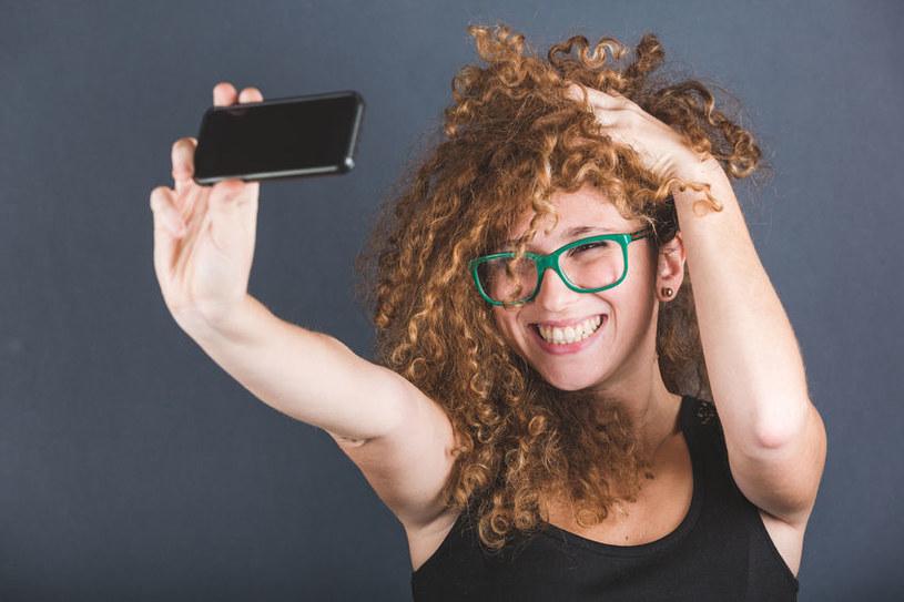 Zdjęcia selfie ułatwią pracę psychiatrom? /123RF/PICSEL