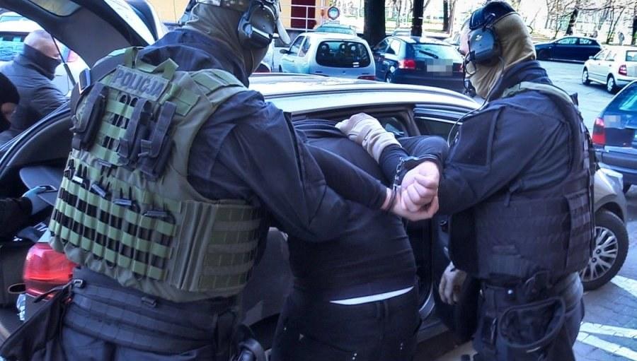 Zdjęcia z akcji zatrzymania pseudokibiców /Policja