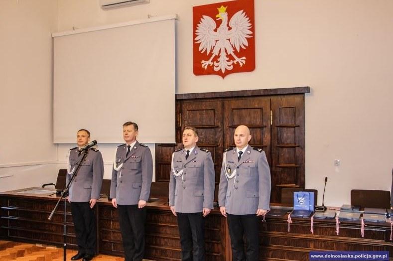 Zdjęcia z odprawy, udostępnione przez dolnośląską policję /http://www.dolnoslaska.policja.gov.pl/ /Policja