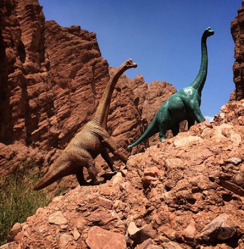 "Zdjęcia z projektu ""#Dinodinaseries"" Jorge Saenza /Jorge Saenz /BoredPanda"