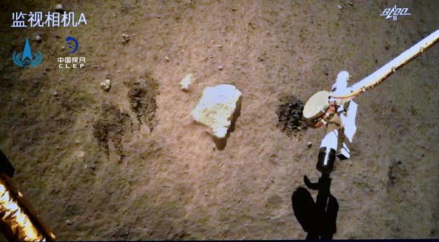 Zdjęcia z wyprawy chińskiej sondy /China National Space Administration / HANDOUT /PAP/EPA