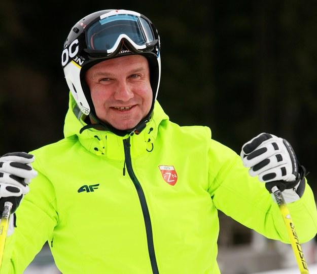 Zdjęcie archiwalne. Prezydent Andrzej Duda uczestniczył w zajęciach i zawodach dla dzieci na stoku narciarskim w Istebnej / Grzegorz Momot    /PAP