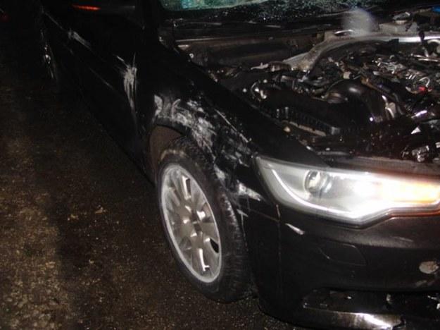 Zdjęcie audi po wypadku /Policja