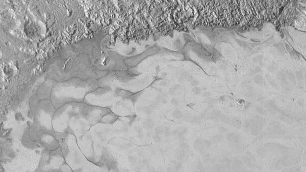 Zdjęcie azotowego lodu uchwycone przez sondę New Horizons /NASA
