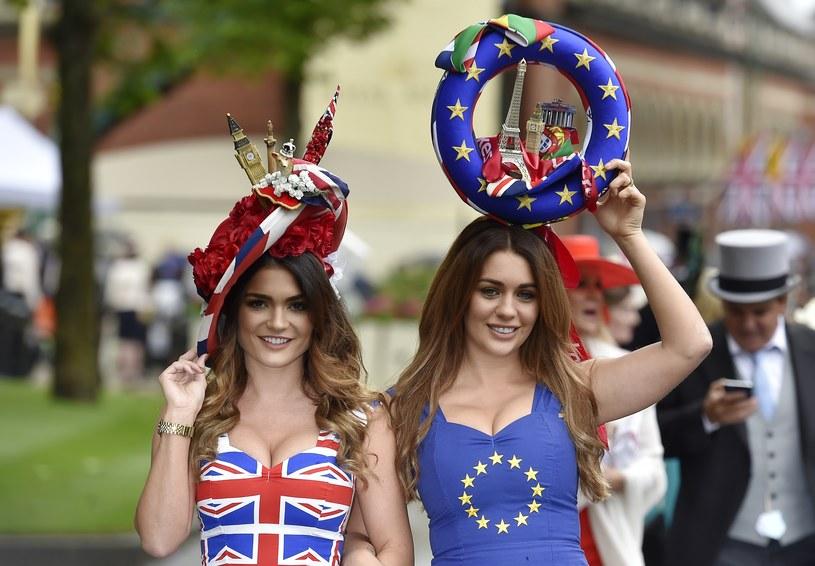 Zdjęcie dnia: O Brexicie w wyższych sferach /REUTERS/Toby Melville /Agencja FORUM