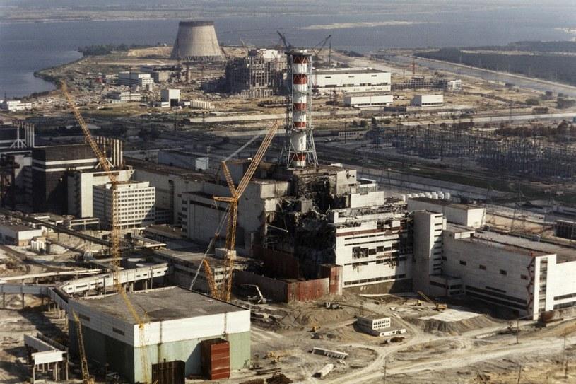 Zdjęcie historyczne - elektrownia klika dni po katastrofie /AFP