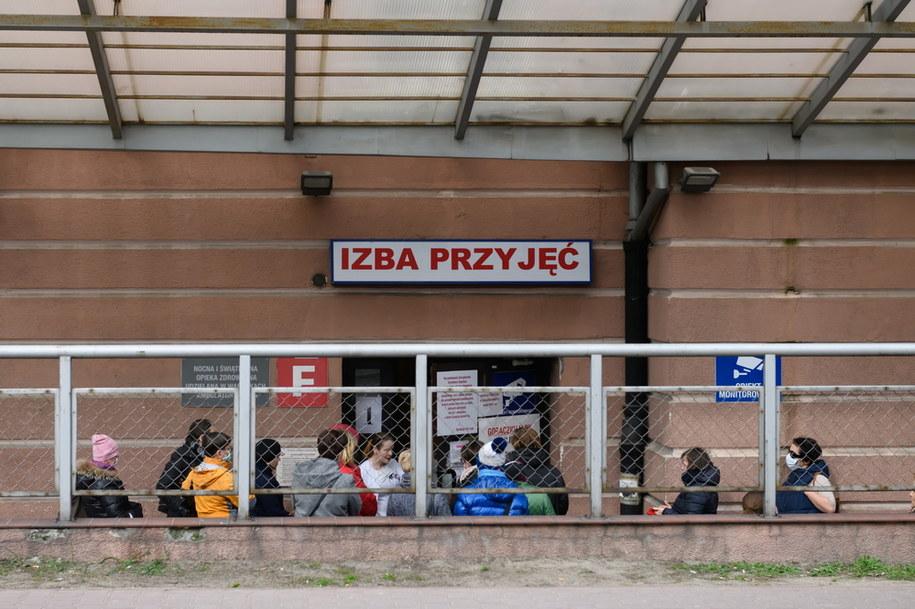 Zdjęcie ilustracyjne/ Koronawirus w Polsce. Personel szpitala klinicznego im. H. Święcickiego w Poznaniu /Jakub Kaczmarczyk /PAP