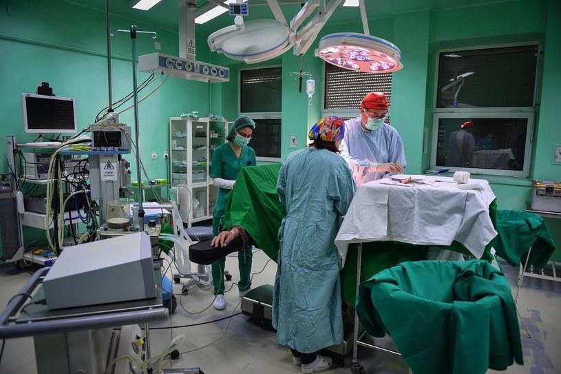 Zdjecie ilustracyjne. Operacja pacjenta z Bułgarii była wyjątkowo skomplikowana. /AFP