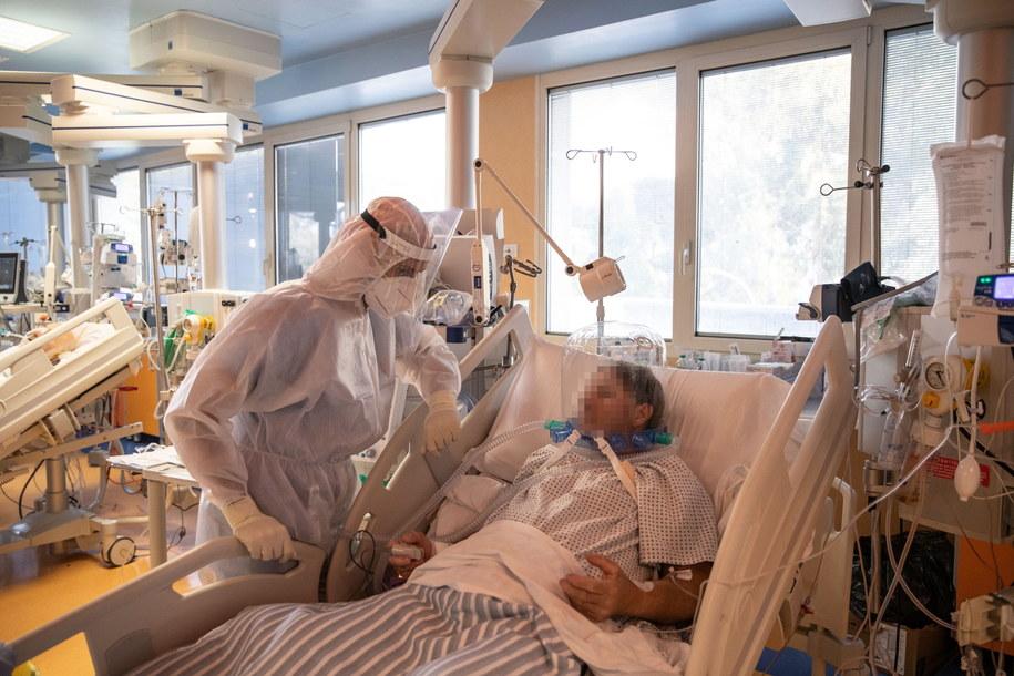 Zdjęcie ilustracyjne. Pacjenci hospitalizowani z powodu Covid-19 we Włoszech /Emanuele Valeri /PAP/EPA
