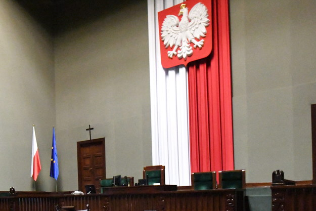 W Sejmie trwa protest posłów. Kto jest w sali plenarnej?