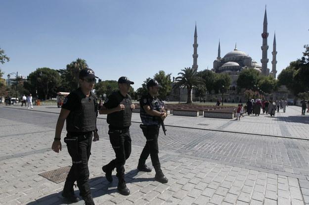 Turecki sąd nakazał aresztowanie stu wojskowych. Za korzystanie z aplikacji szyfrującej