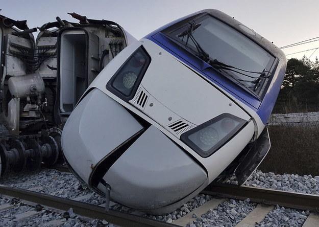 Awaria autonomicznego pociągu w Japonii. 20 osób rannych