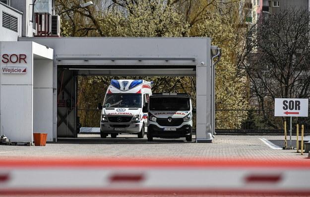 Wrocław: Dwie nastolatki wyleczone z COVID-19 opuszczają szpital