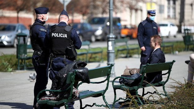 Coraz więcej Polaków łamie przepis o zgromadzeniach. Sypią się mandaty