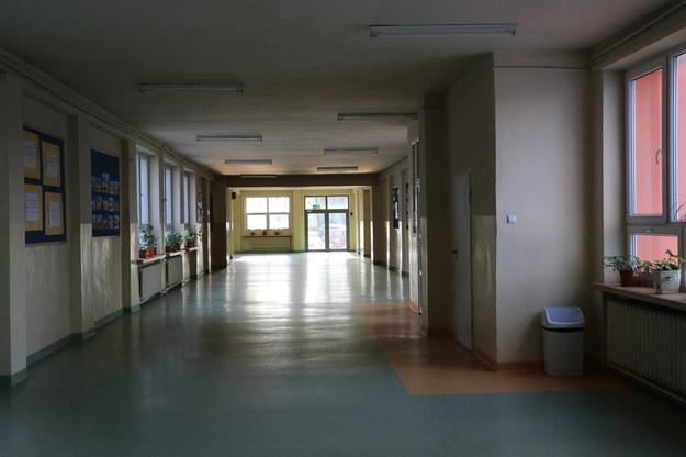 Kiedy powrót do szkoły? Restrykcje zostaną przedłużone