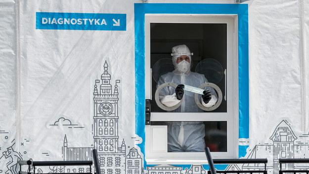19 739 przypadków koronawirusa w Polsce. Największy przyrost na Śląsku [NOWE DANE]