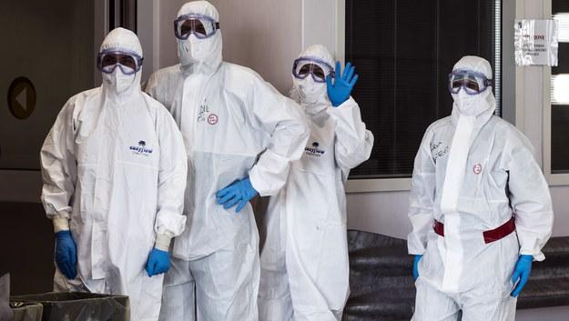 Francuscy lekarze do Macrona: Sytuacja szpitali jest katastrofalna