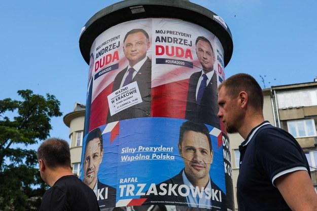 Najnowszy sondaż przed II turą wyborów prezydenckich: Duda o włos przed Trzaskowskim