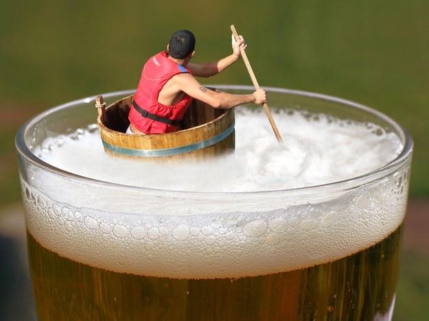 Potop piwny w Wielkiej Brytanii. Puby musiały pozbyć się milionów litrów trunku
