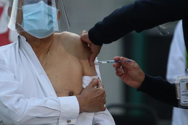 Kiedy szczepienia dla seniorów i nauczycieli? Szef kancelarii premiera podał datę