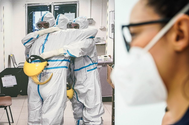 11 tys. zakażeń koronawirusem i 400 zgonów. Nowe dane Ministerstwa Zdrowia