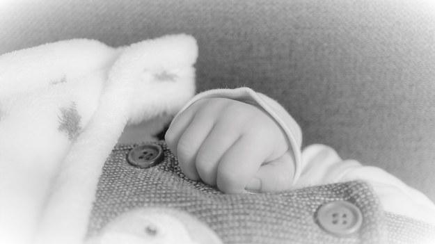 Łódzkie: Nie żyje 3-tygodniowe dziecko, rodzice byli pijani