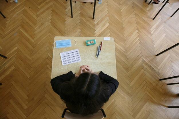 Łatwiejsza matura w pandemii: Więcej chętnych do zdawania, uczniowie gorzej przygotowani