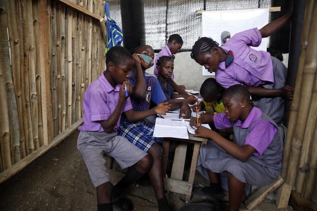 Setki dziewcząt uprowadzonych w Nigerii. Ich los jest nieznany